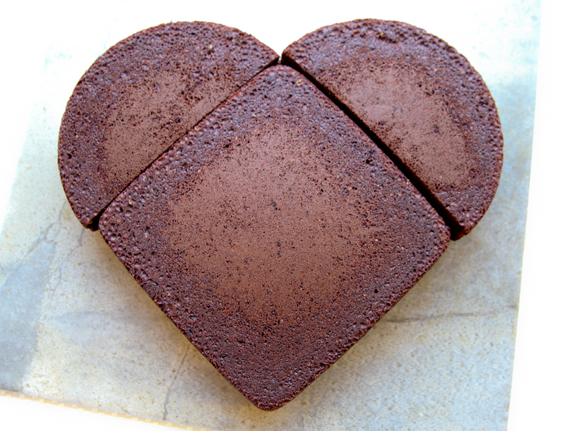 heart shaped cake images