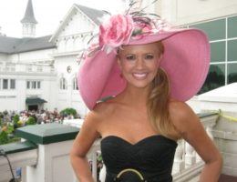 92142_nancy-odell-dons-a-pink-hat-at-the-kentucky-derby
